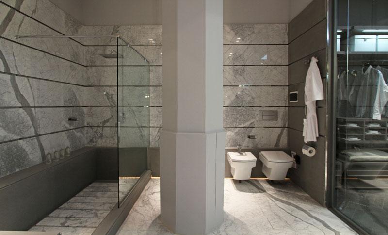 Diseno De Baño Rectangular:de la ducha tiene aplicado a modo de alfombra placas rectangulares de
